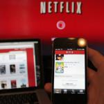 Posso usare Netflix su due computer o tablet insieme?
